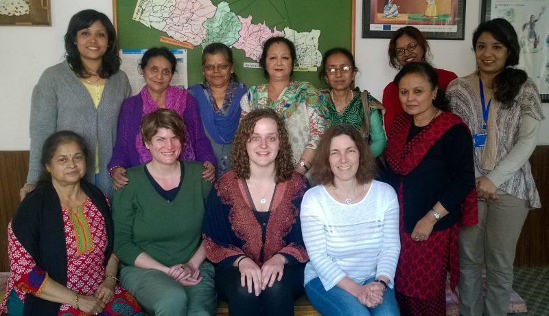 Claudia Stamm, Praktikantin Chiara Kaiser und Kerstin Celina während der Weltfrauenkonferenz in Nepal.