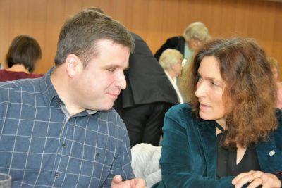 Stellvertretender Bezirksgruppenleiter des Sehbinderten- und Blindenbunds in Unterfranken, Christian Rupp, und Kerstin Celina.