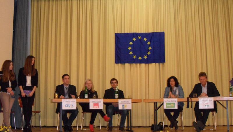 DiskutantInnen beim Europatag des Mädchenbildungswerks Gemünden