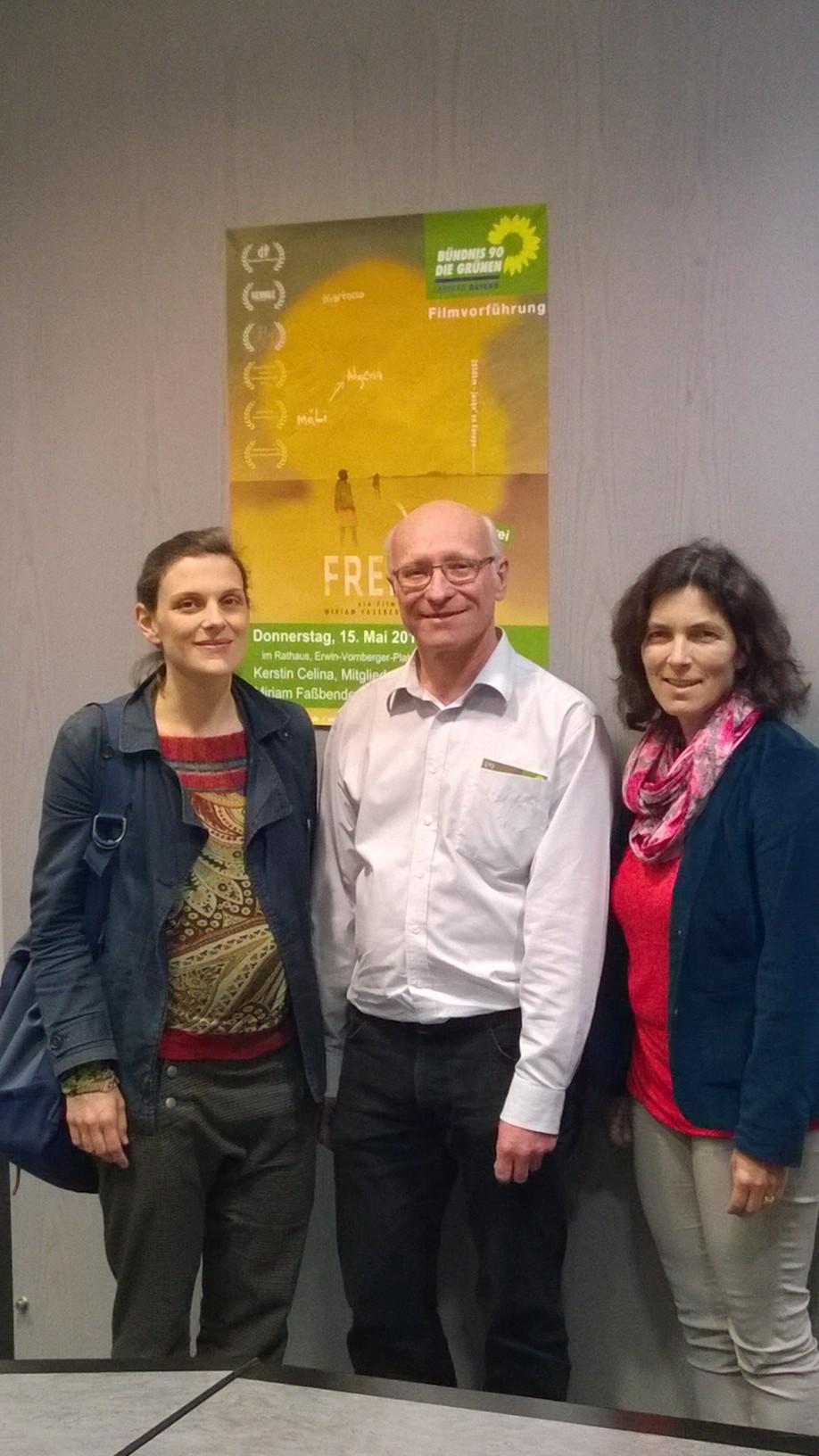 Miriam Fassbender, die Regisseurin, Günter Thein, Ortsvorsitzender der Grünen und Kerstin Celina, MdL