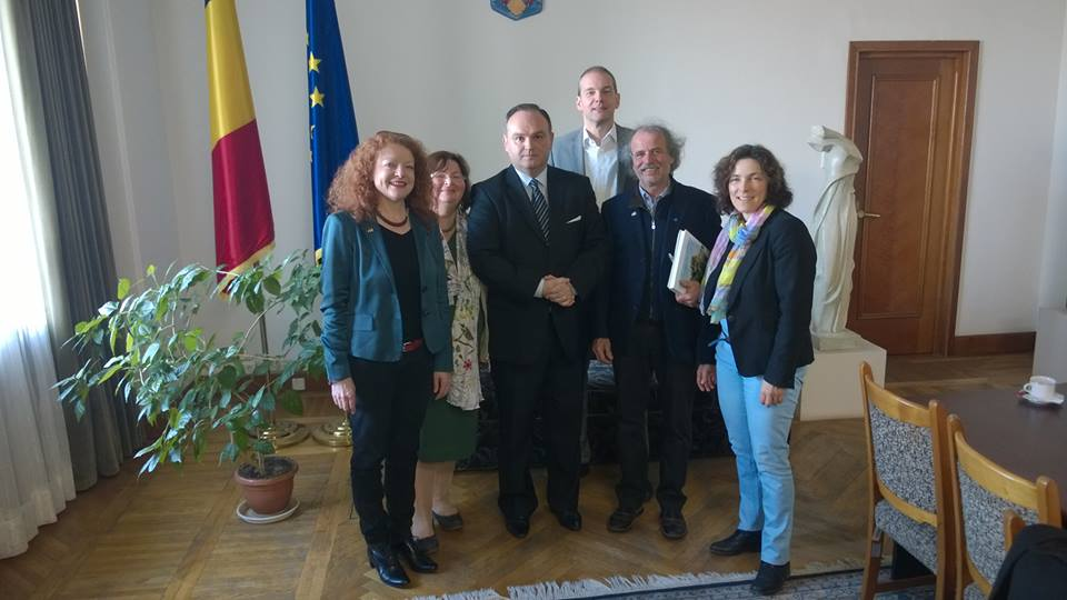 Im rumänischen Parlament, v.l.n.r.: Margarete Bause, Christine Kamm, Ovidiu Gant, Thomas Mütze, Uli Leiner, Kerstin Celina.