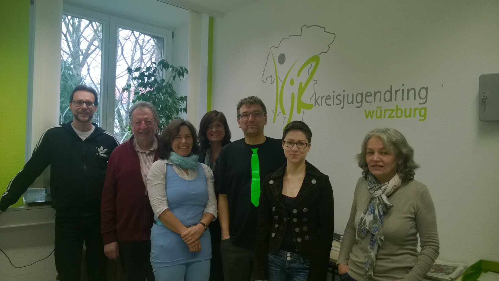 Treffen beim Kreisjugendring, v.l.n.r.: Sven Winzenhörlein, Fred Stahl, Kerstin Celina, Karen Heußner, Carsten Hackel vom KJR, Eva Pumpurs, Rita Heeg.
