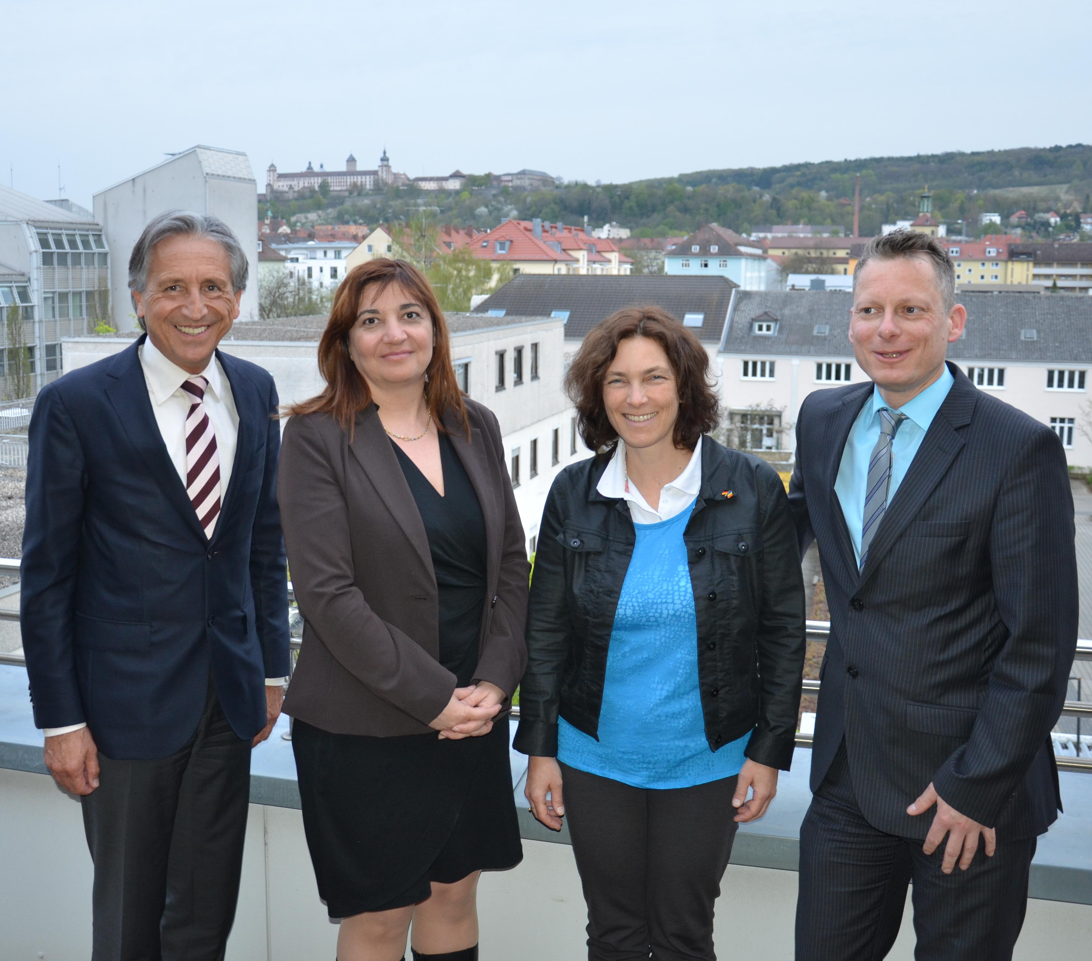 Kerstin Celina mit MdB Ekin Deligöz bei der IHK. Auf dem Bild u.a. zusammen mit Rudolf Trunk und mit Kurt Treumann.