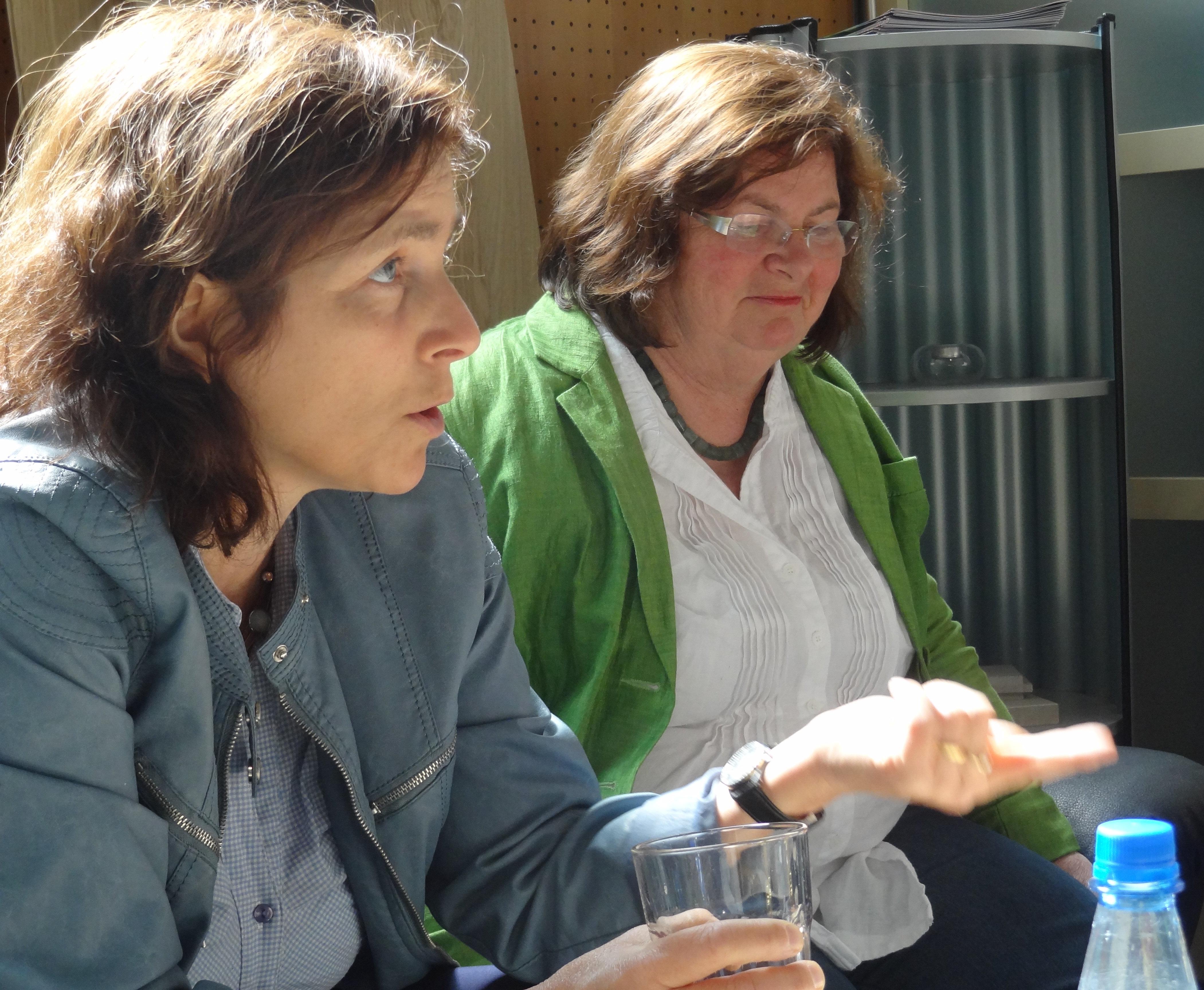 Kerstin Celina und Christine Kamm bei Bodo Ziegler.