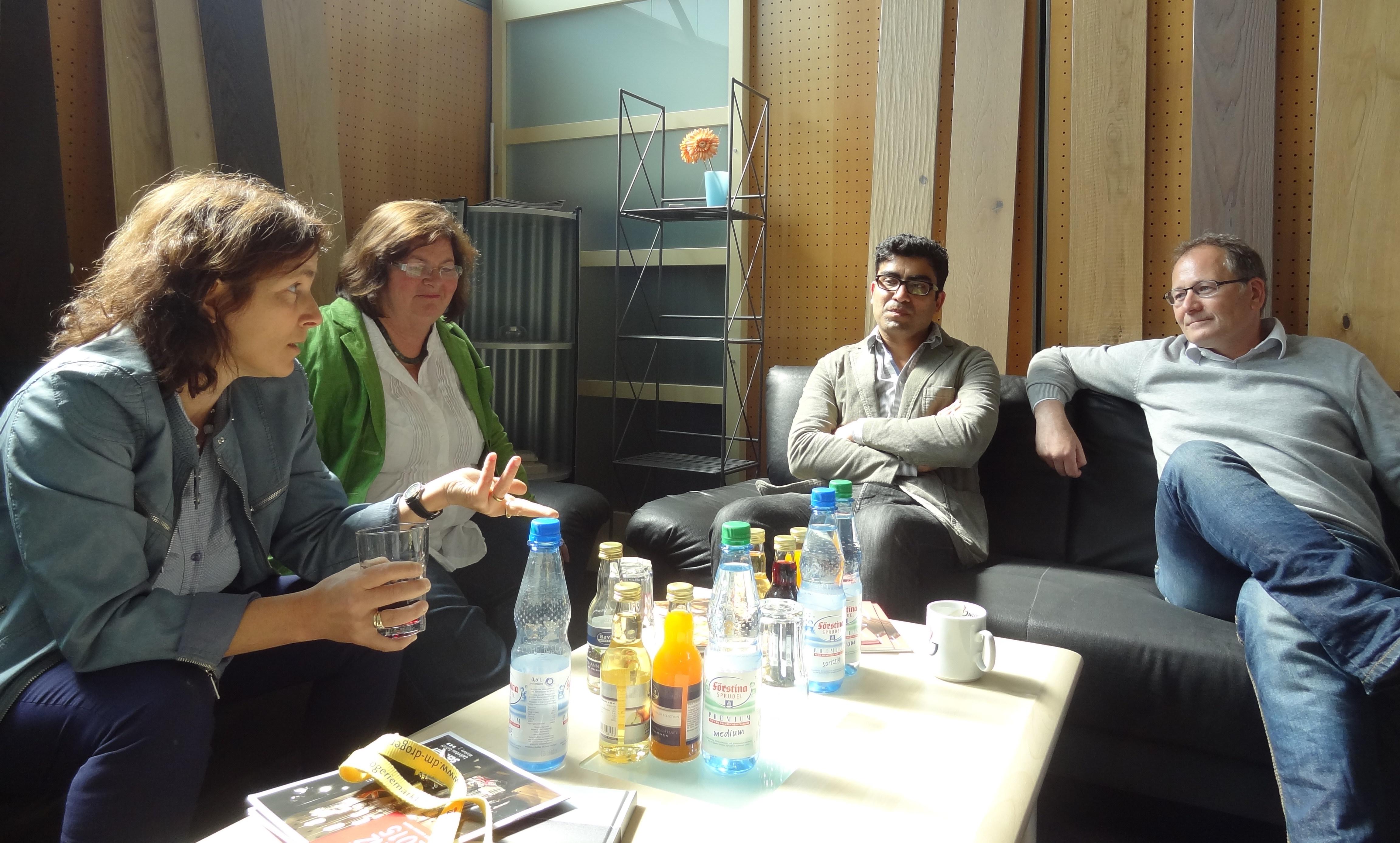 Christine Kamm und Kerstin Celina bei Floor-Concept.