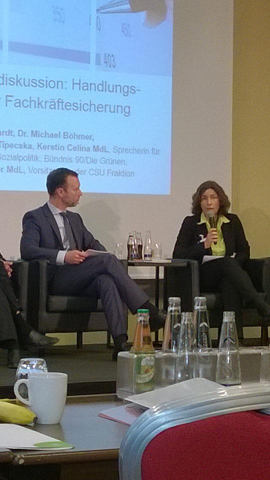 Kerstin Celina bei der Podiumsdiskussion zum Thema Fachkräftebedarf