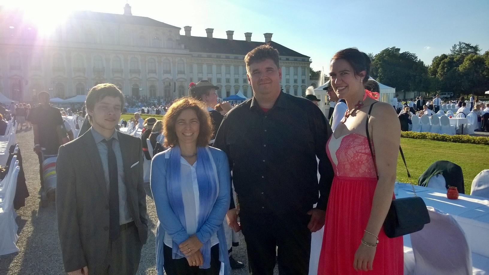 Kerstin Celina mit Michael Pagel und Jennifer Harde beim Sommerempfang des Bayerischen Landtags.