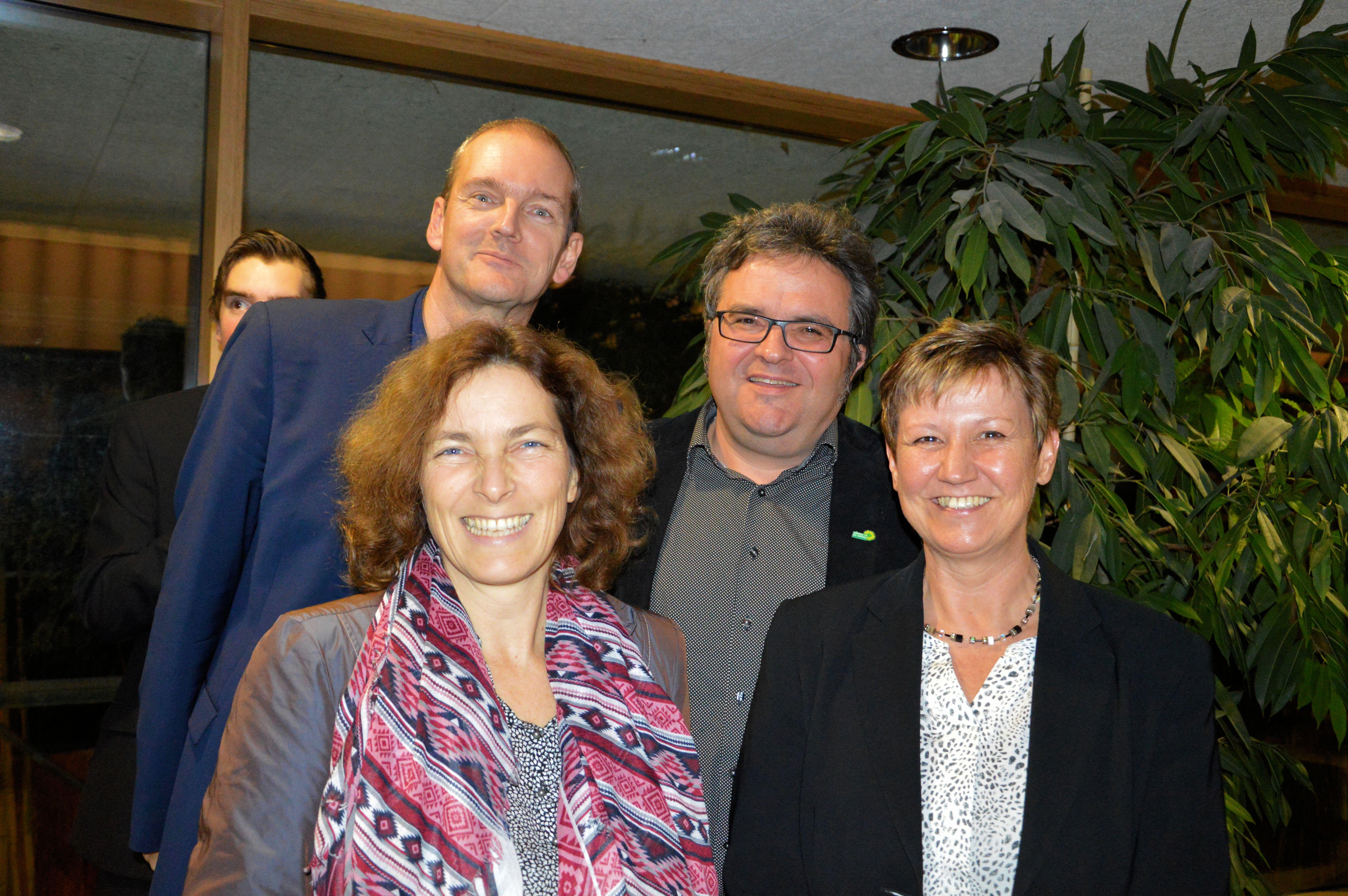 Vielen Dank an Angelika Cronauer fürs Foto der vier unterfränkischen GRÜNEN MandatsträgerInnen in Bezirk und Land: Thomas Mütze, Kerstin Celina, Gerhard Müller und Bärbel Imhof.