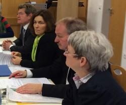Runder Tisch Staatsarchiv Würzburg: von links nach rechts: MdL Georg Rosenthal, MdL Kerstin Celina, MdL Hand-Jürgen Fahn, Dr. Irmgard Becker (VdA)