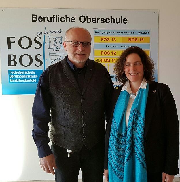 Kerstin Celina mit Schulleiter Karl Fuchs