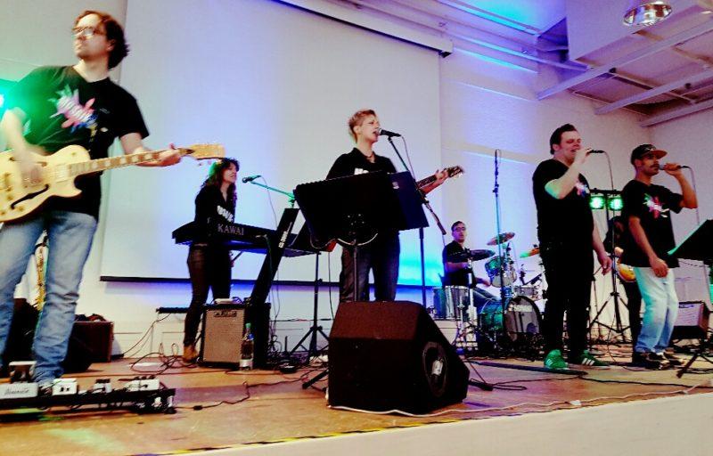 """Die Band """"Mosaik"""", die die Veranstaltung begleitet hat."""
