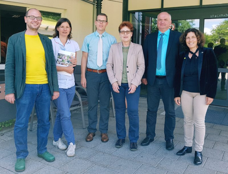 Auf dem Foto von links nach rechts: Markus Ganserer, MdL; Dr. Manuela Rottmann; Marco Schäfer; Monika Horcher; Martin Pfeuffer; Kerstin Celina, MdL