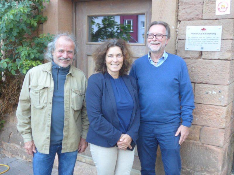 Auf dem Foto von links nach rechts: MdL Ulli Leiner, MdL Kerstin Celina, 1. Bürgermeister Gerd Aulenbach.