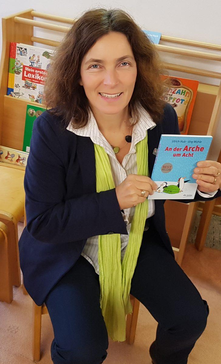 Kerstin Celina während des Vorlesetags in der Kita Wiesenfeld.