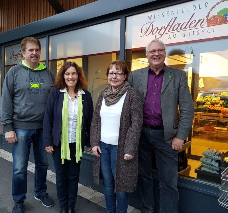 Auf dem Foto von links nach rechts: Peter Knöll, ehrenamtlichen Geschäftsführer; Kerstin Celina, MdL; Ramona Müller, ehrenamtliche Geschäftsführerin; Gerhard Kraft, Mitarbeiter von MdL Celina.