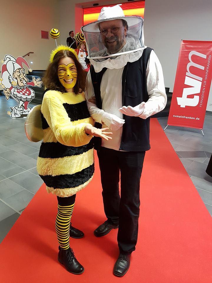 Kerstin Celina und Biene und Imker -zusammen mit Patrick Friedl bei der TV-Mainfranken Faschings-Gala im VCC.