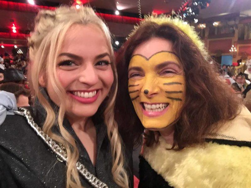Katharina Schulze und Kerstin Celina bei Fastnacht in Franken.