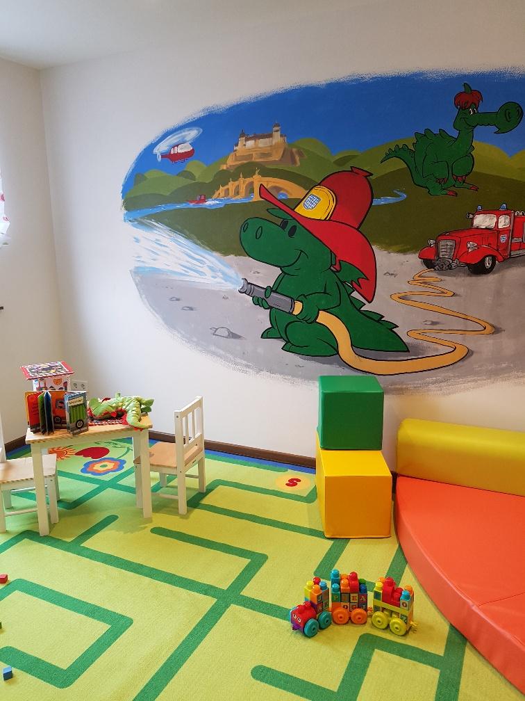 Das neue Familienzimmer der Würzburger Feuerwehrschule.