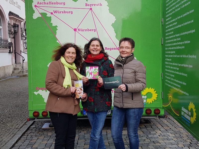 Kerstin Celina mit Kreisrätin und Landtagskandidatin Birgid Röder und Birgit Schmitt.