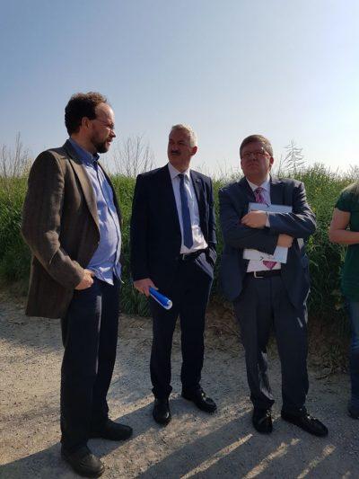 Patrick Friedl, Roland Schmitt (Bürgermeister von Rottendorf) und MdL Volkmar Halbleib in Rottendorf.