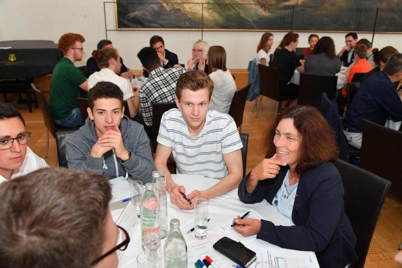Kerstin Celina während der Erstwähler*innen-Veranstaltung im Bayerischen Landtag. © Bildarchiv Bayerischer Landtag | Foto: Rolf Poss