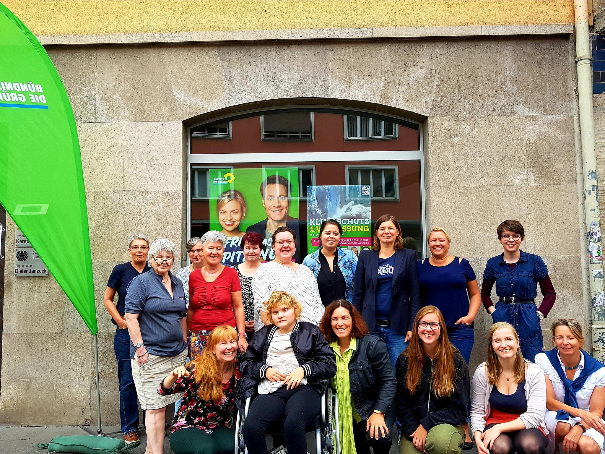 Die Teilnehmerinnen des Frauenfrühstücks in Würzburg.