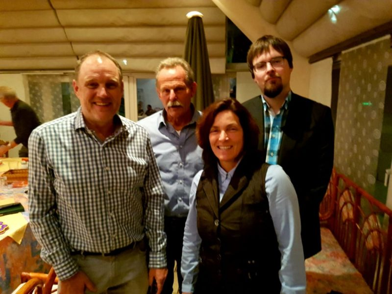 v.l.n.r.: Rolf Herzel, Tierarzt; MdL Paul Knoblach; MdL Kerstin Celina; Dr. med. vet. Martin Kreutzmann.