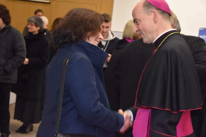 Kerstin Celina mit Bischof Dr. Franz Jung.