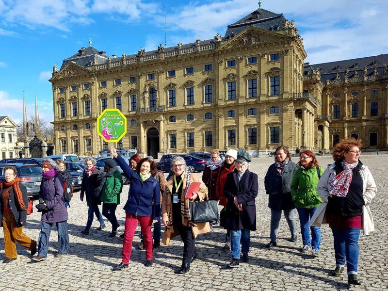 Grüne Stadtführung durch Würzburg anlässlich des Weltfrauentags. Foto: Aljoscha Labeille.