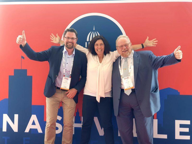 Kerstin Celina mit Gerhard Hopp (CSU) und Klaus Adelt (SPD).