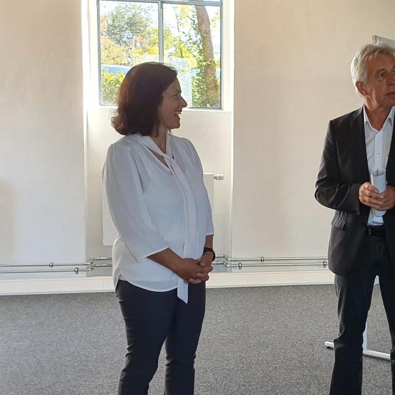 Kerstin Celina zu Besuch im Digitalen Gründerzentrum in Aschaffenburg.